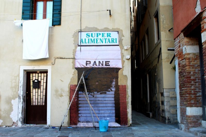 Roman Street artist group SBAGLIATO in Venice, 2016