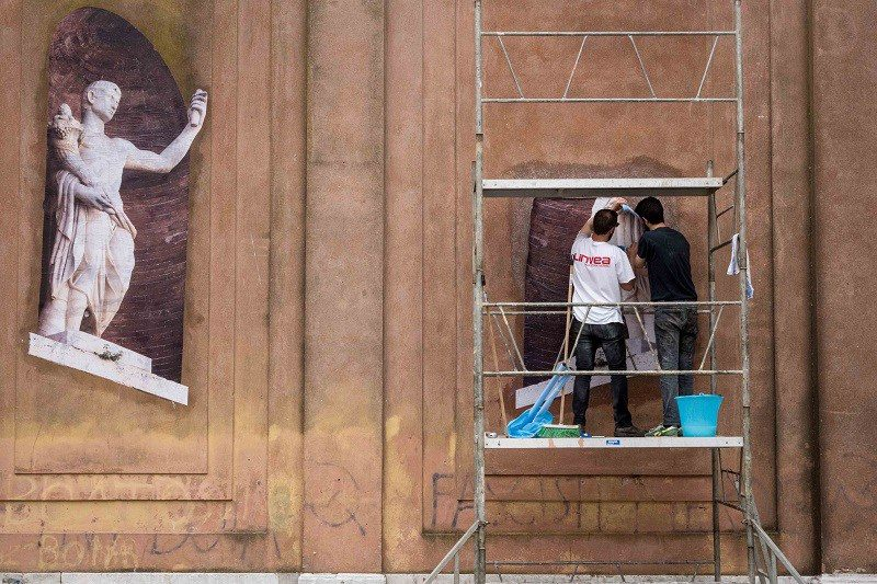 Roman Street artist group SBAGLIATO in Venice